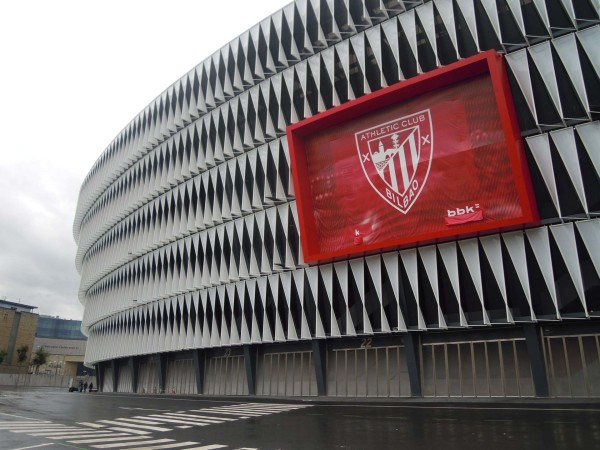 San_Mamés_Stadium,_Bilbao_16_October_2015_(2)
